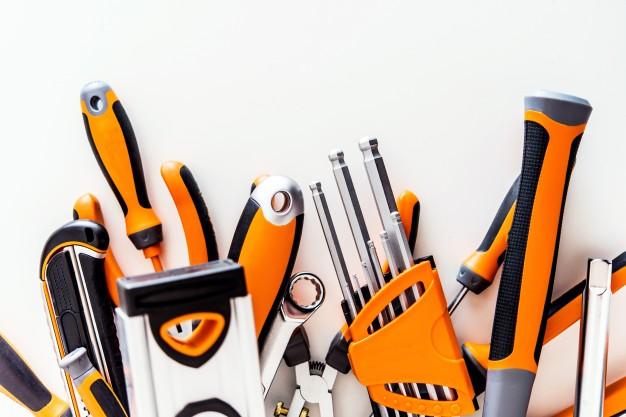 conjunto-herramientas-garaje-blanco_1426-1497.jpg